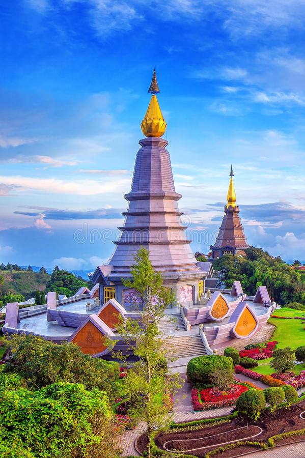 Pagoda de point de repère en parc national d'Inthanon de doi chez Chiang Mai, Tha photographie stock