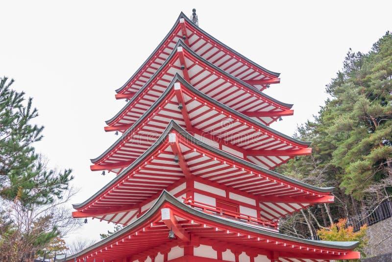 Pagoda de rouge de Chureito image stock