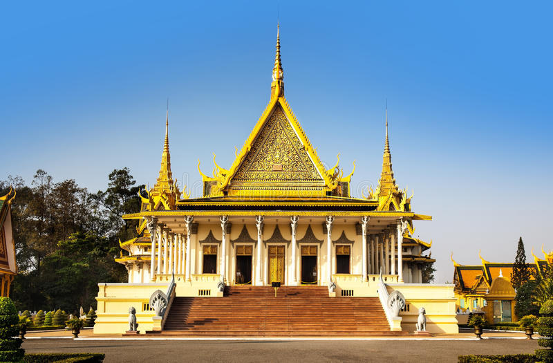 Pagoda de Royal Palace y de la plata (el pasillo) del trono, Phnom Penh, no imagen de archivo