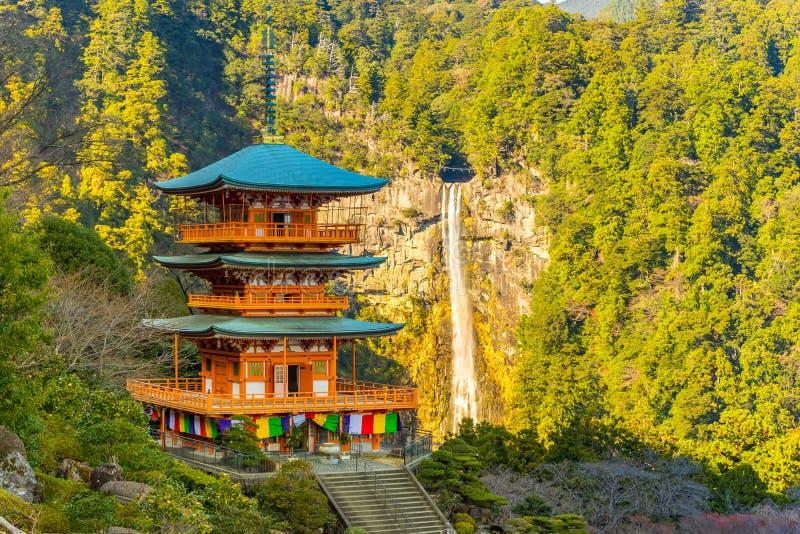 pagoda de Seiganto-JI et Nachi Falls In Wakayama, Japon photos libres de droits