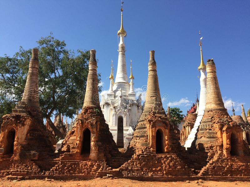 Pagoda de Shwe Indein photo stock