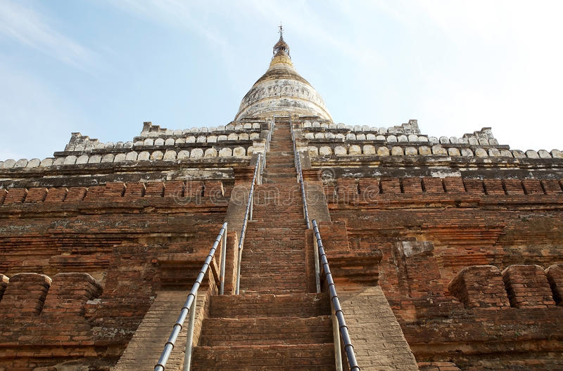Pagoda de Shwe Sandaw, Bagan, Myanamar photo stock