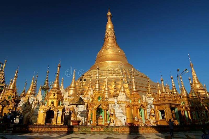 Download Pagoda de Shwedagon image stock. Image du pagoda, temple - 87707751