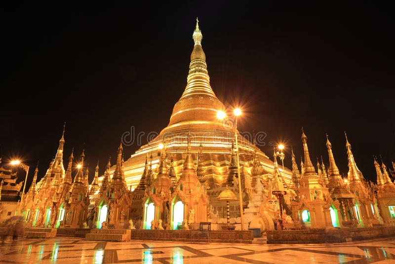 Pagoda de Shwedagon au crépuscule, Rangon, Myanmar photos libres de droits