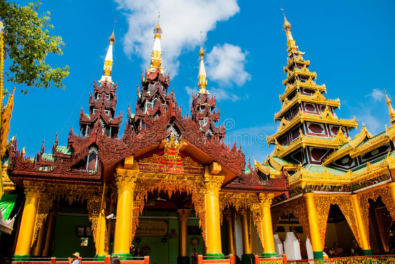 Pagoda de Shwedagon Paya Yangon, Myanmar images stock