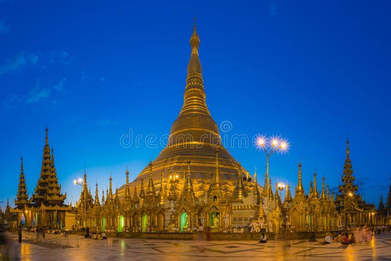 Pagoda de Shwedagon, Yangon fotos de stock