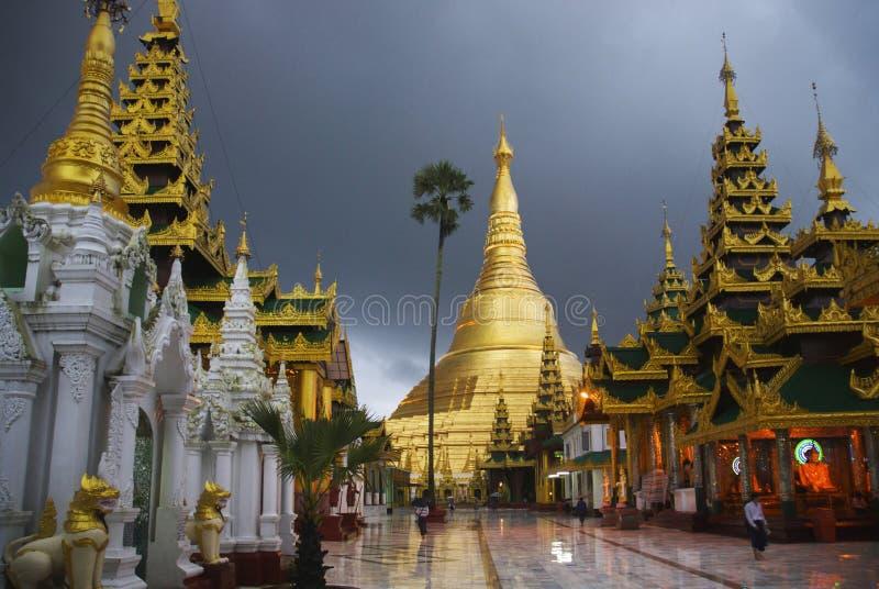 Pagoda de Shwedagon, Yangon photo stock