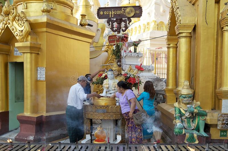 Pagoda de Shwedagon, Yangon, Myanmar photos stock