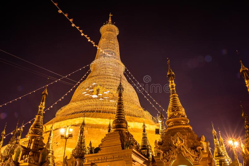 Pagoda de Shwedagon, Yangon, Myanmar La Birmanie Asie Pagoda de Bouddha photo stock