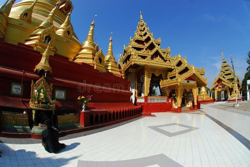Pagoda de Shwemawdaw Paya imagenes de archivo