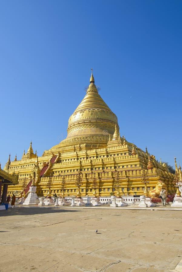 Pagoda de Shwezigon dans Bagan image stock