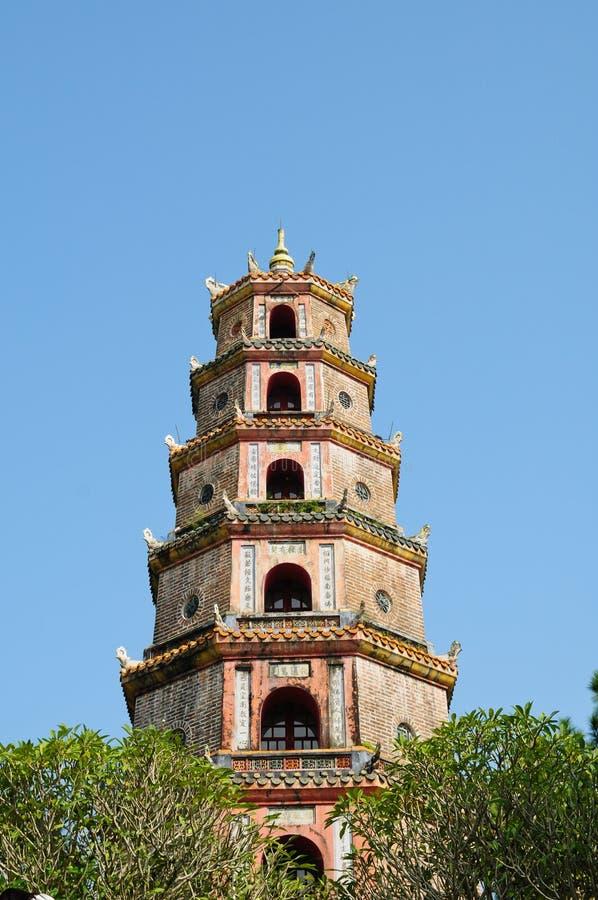 Pagoda de Thien MU dans la tonalité images stock