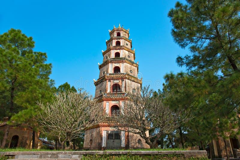 Pagoda de Thien MU, tonalidad, Vietnam. imagen de archivo libre de regalías