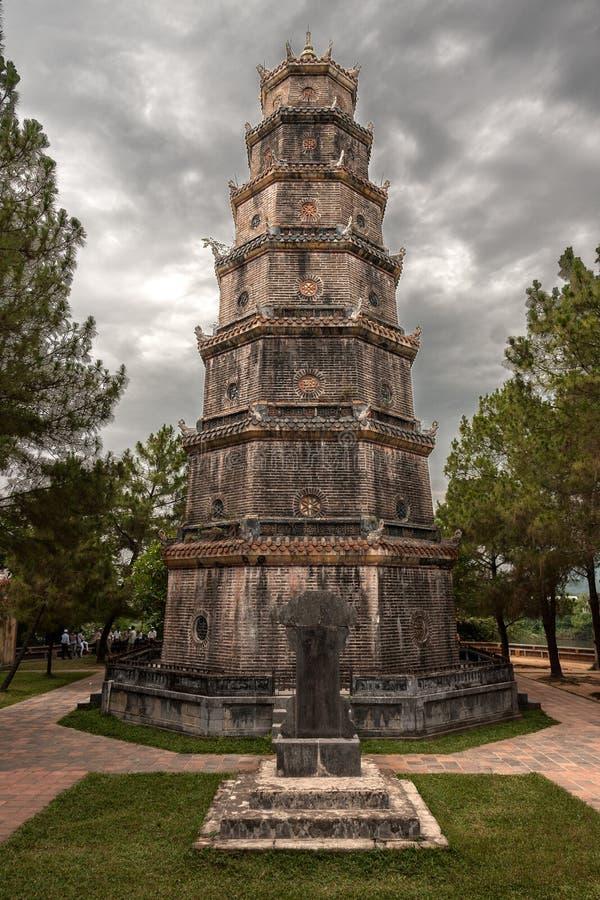 Pagoda de Tien MU (Vietnam) fotografia de stock