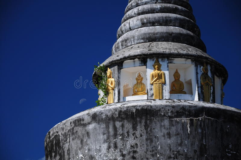 Pagoda de WatChaThingPhra fotografia de stock