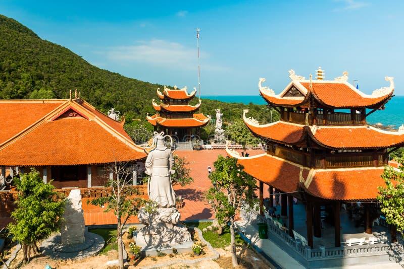 Pagoda di Hu Quoc, bello tempio buddista, isola di Phu Quoc, Vietnam immagini stock