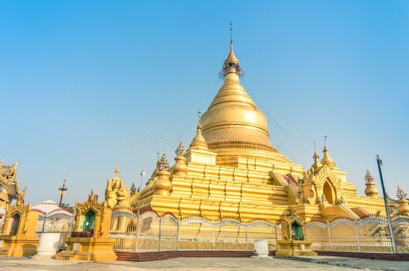Pagoda di Sandamuni - Mandalay Birmania Myanmar fotografia stock libera da diritti