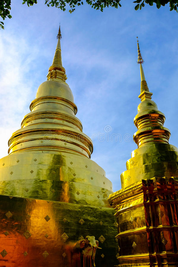 Pagoda dorata due fotografia stock