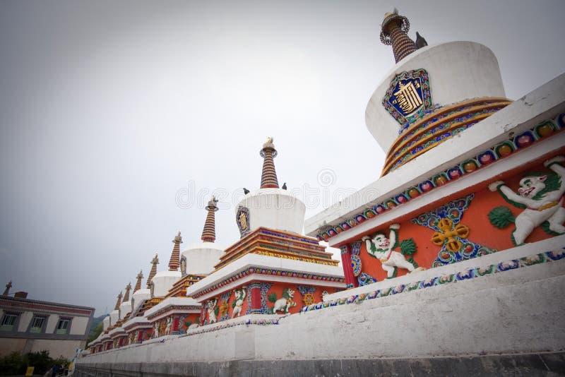 Pagoda et temple dans la pagoda et temple dans le Tibétain photographie stock