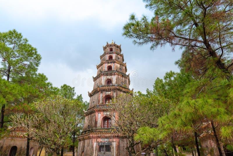 Pagoda nella tonalità, Vietnam di Thien MU fotografia stock libera da diritti