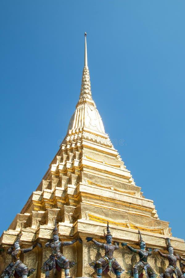 Pagoda przy Szmaragdowym Buddha Świątynny Wat Phra Kaew w Tajlandia zdjęcia stock