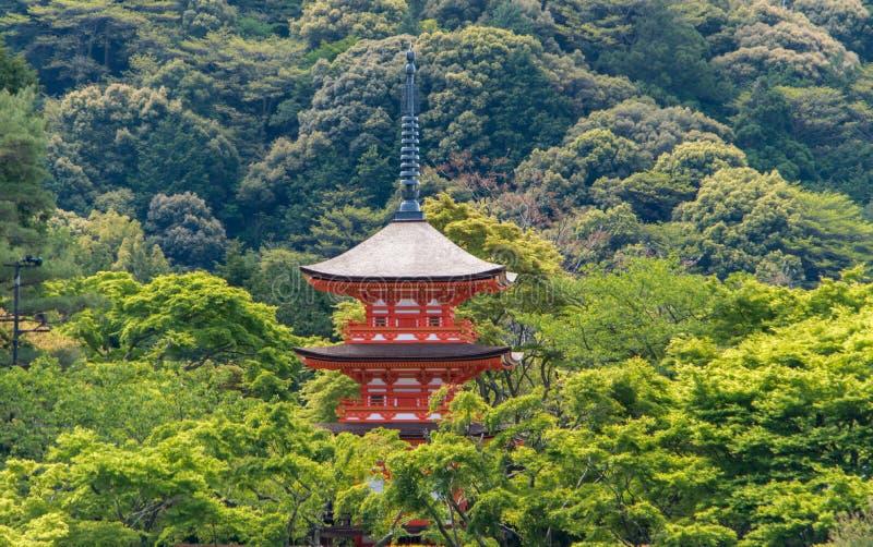 Pagoda rossa in Kizyomizu fotografie stock