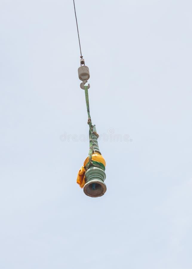 Pagoda superiore con le macchine della costruzione della gru fotografie stock libere da diritti