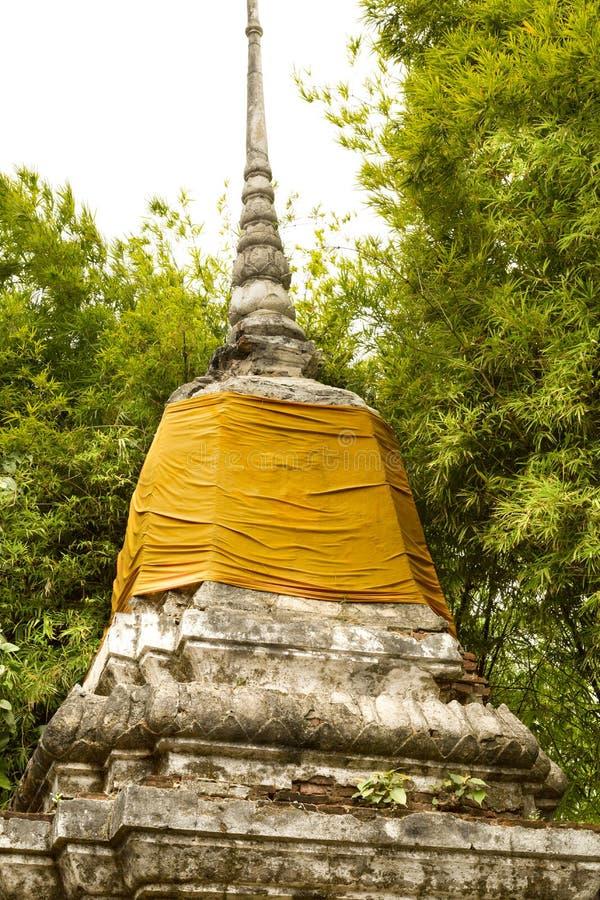 Pagoda thaïlandaise avec le bambou photographie stock libre de droits