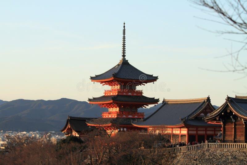 Pagoda a tre piani del dera di Kiyomizu nella scena di sera di Kyoto fotografia stock