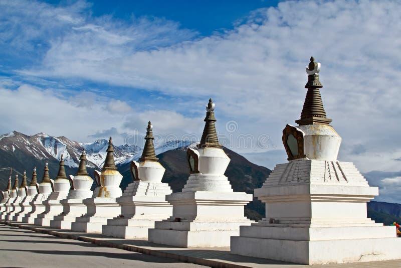 Pagodas blanches Thibet images libres de droits
