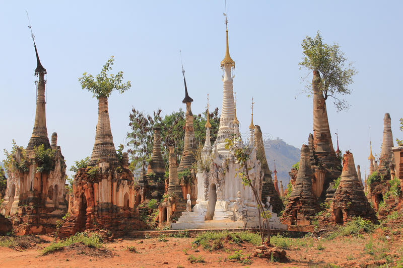 Pagodas de Shwe Indein 5 photographie stock