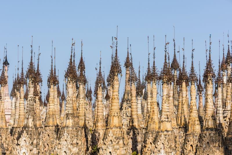 Pagodas en Kakku en Myanmar foto de archivo
