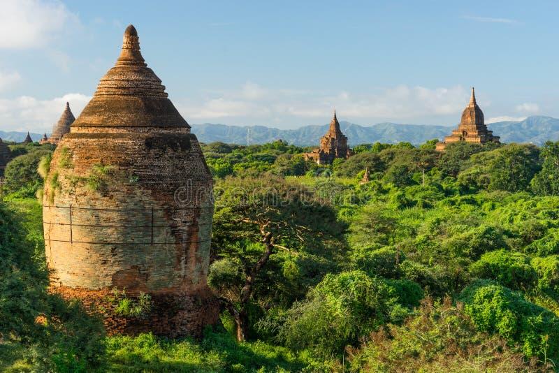 Pagodas y templo viejos, Mandalay, Myanmar de Bagan imagenes de archivo