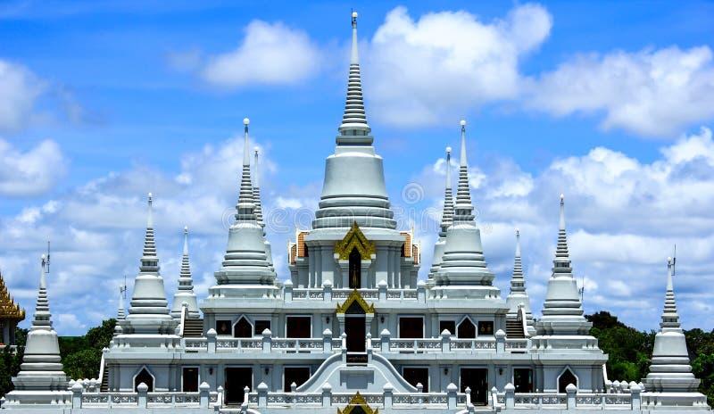 Pagodawatasokaram av thailand royaltyfria bilder