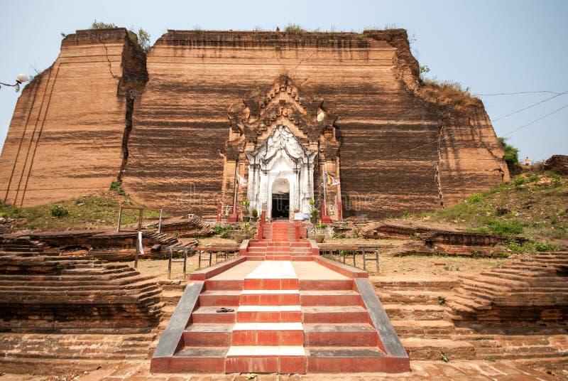 Pagode arruinado de Mingun em Mandalay, Myanmar imagem de stock