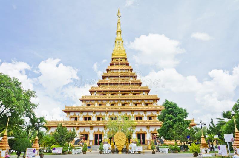 pagode bij Thaise tempelstijl in Khon Kaen Thailand stock foto's