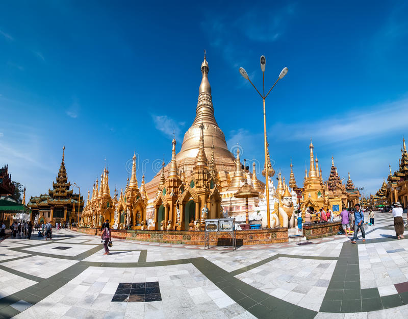 Pagode budista sagrado de Shwedagon do lugar Yangon, Myanmar (Burma) imagens de stock royalty free