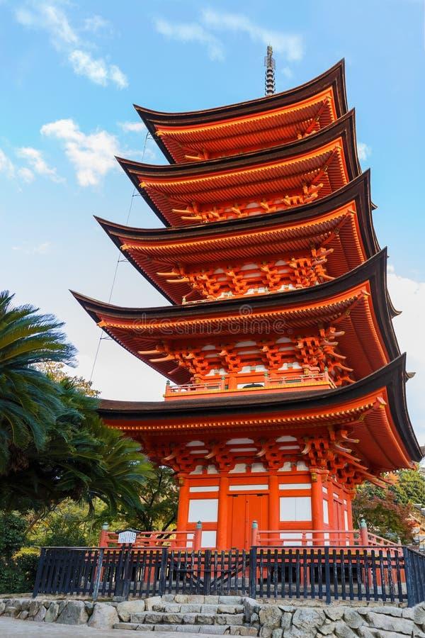 pagode Cinco-contado no santuário de Toyokuni em Miyajima imagem de stock royalty free