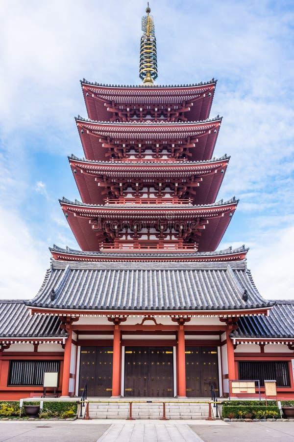 Pagode cinco-storeyed budista japonês no templo de Senso-ji foto de stock