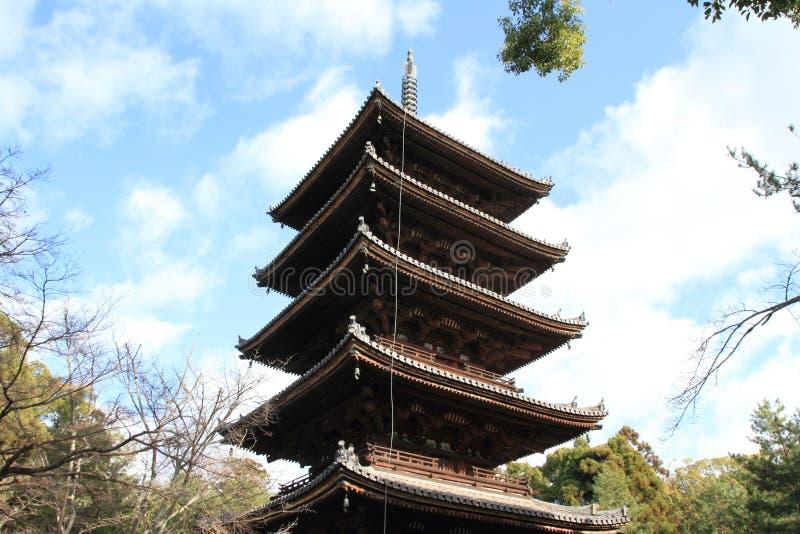 pagode da Cinco-história do ji de Ninna em Kyoto imagens de stock royalty free