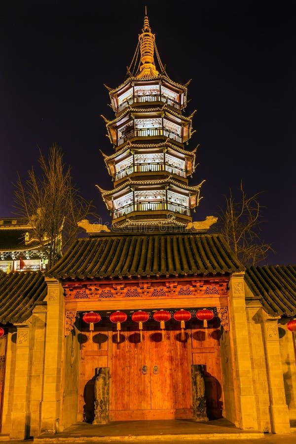 Pagode de madeira Wuxi Jiangsu China N da porta do templo budista de Nanchang imagem de stock royalty free