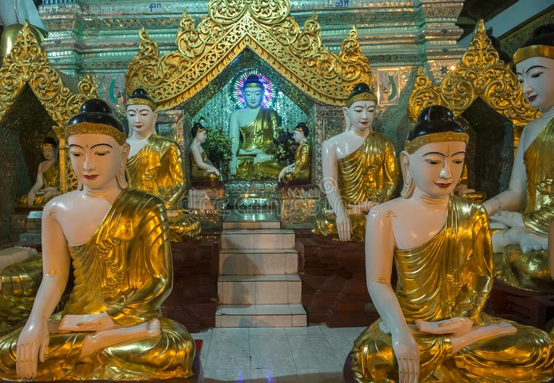 Pagode de Shwedagon em Yangon, Myanmar imagem de stock royalty free