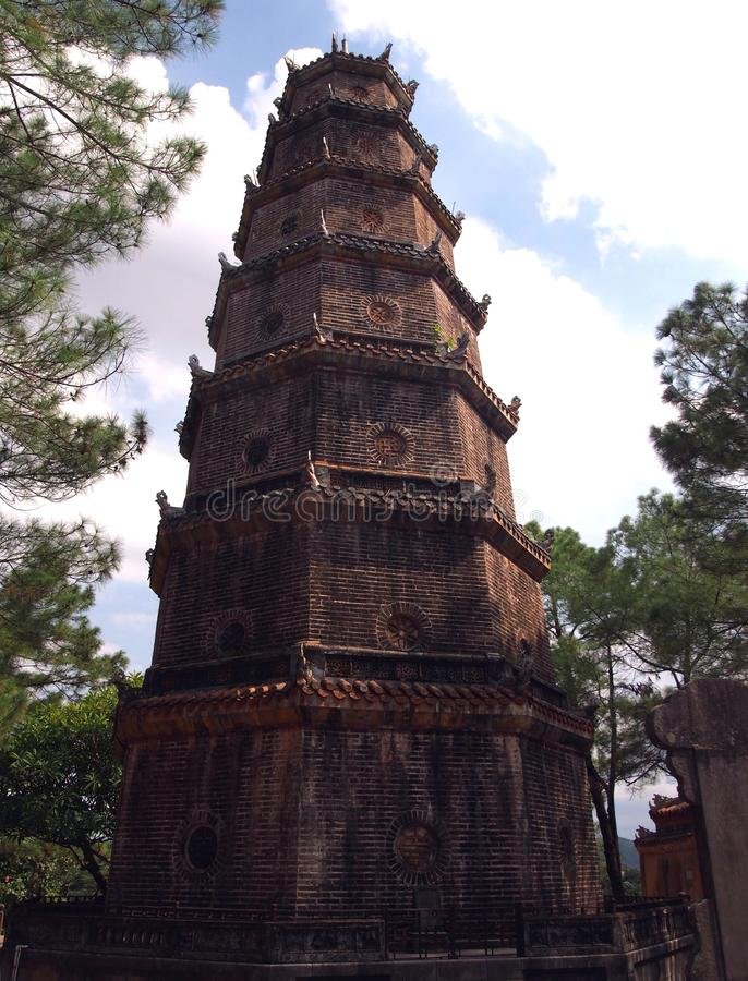 Pagode de Thien MU em Vietname imagem de stock royalty free
