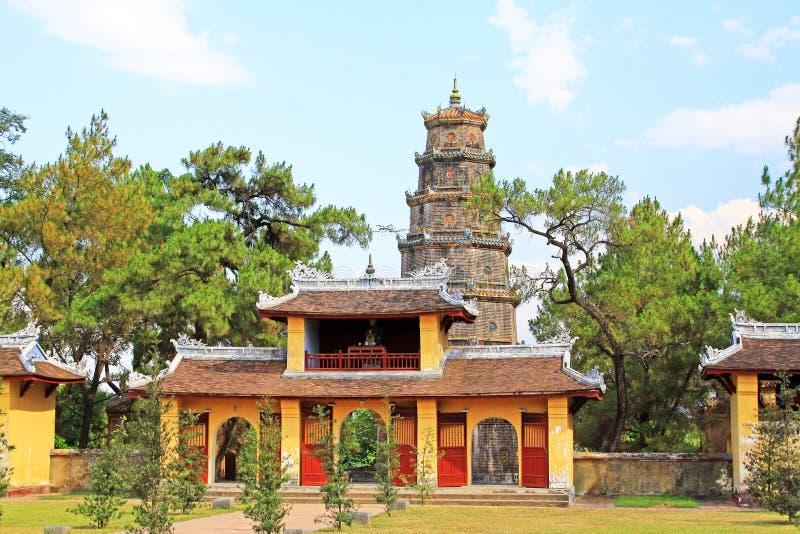 Pagode Thien MU, Hue Vietnam stockbilder