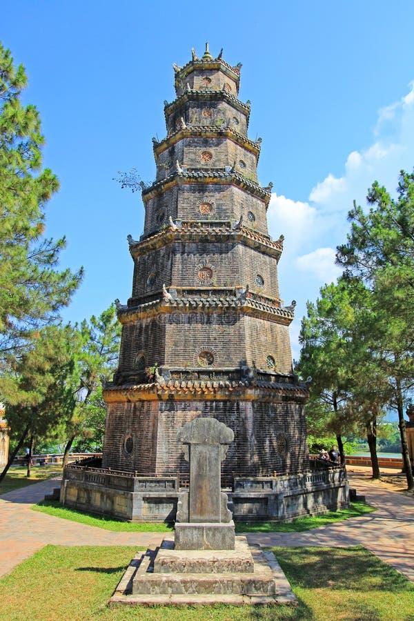 Pagode Thien MU, Hue Vietnam lizenzfreie stockbilder