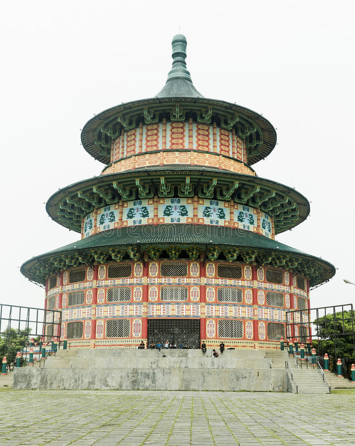 Pagode Tian Ti di Kenjeran in Surabaya, Indonesië stock afbeelding