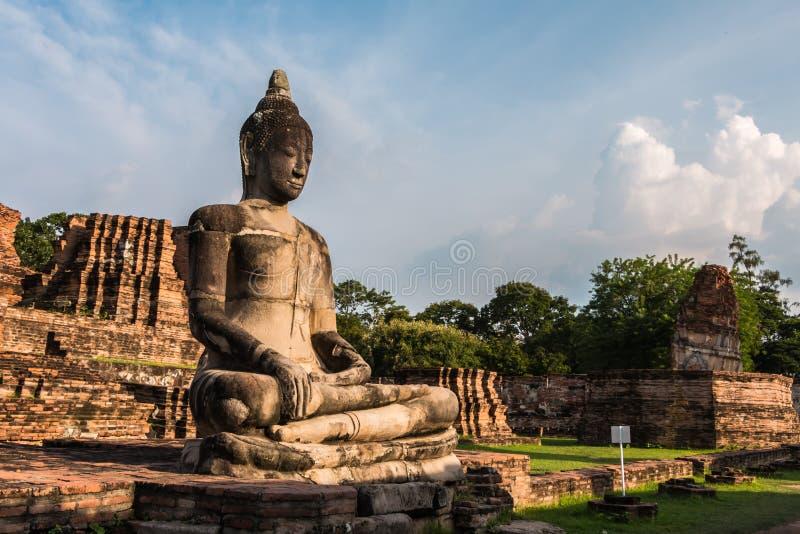 Download Pagode Und Buddha-Status Bei Wat Yai Chaimongkol Stockfoto - Bild von gebäude, asien: 47100840