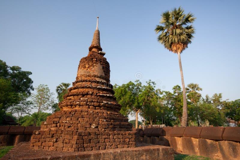 Download Pagode imagem de stock. Imagem de pagoda, fiel, buddhism - 29841123