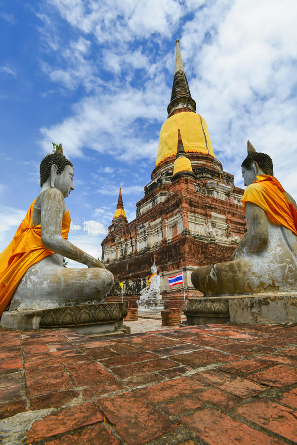 Pagode von Wat Yai Chaimongkol lizenzfreies stockbild