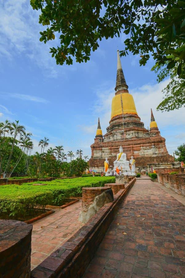 Pagode von Wat Yai Chaimongkol lizenzfreie stockbilder